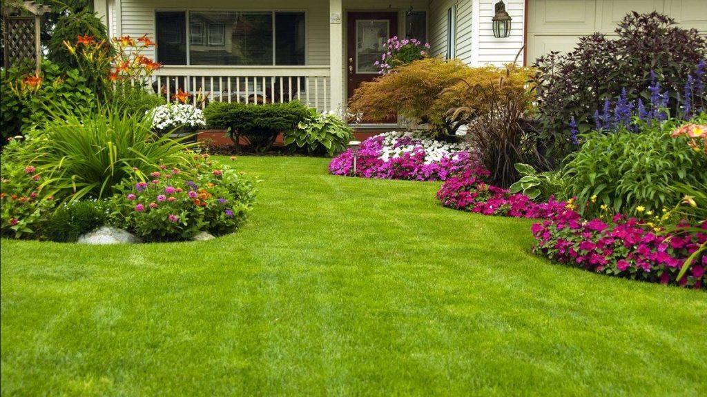 Ландшафтный дизайн, газон с домом и цветниками